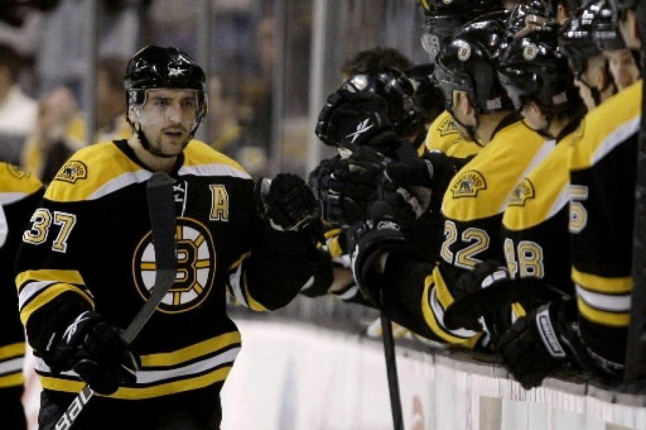 Patrice Bergeron, des Bruins de Boston... (AP)