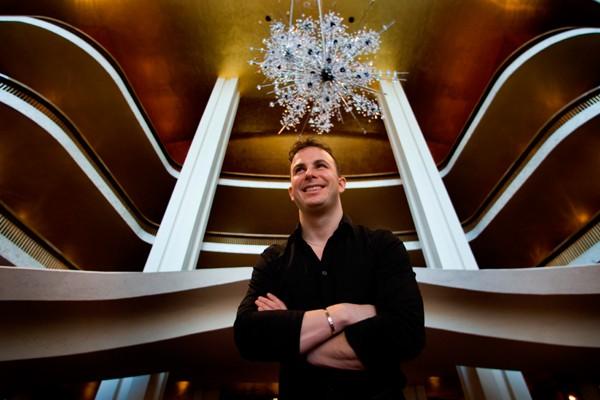 Confier cinq nouvelles productions à un chef qui,... (Photo Marin Chamberland, La Presse)