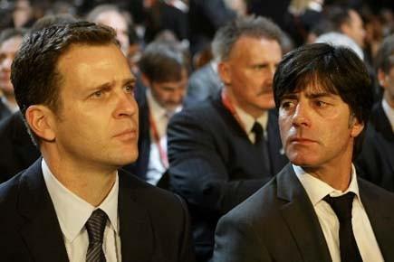 Le manageur général de l'équipe allemande, Oliver Bierhoff,... (Photo: Reuters)