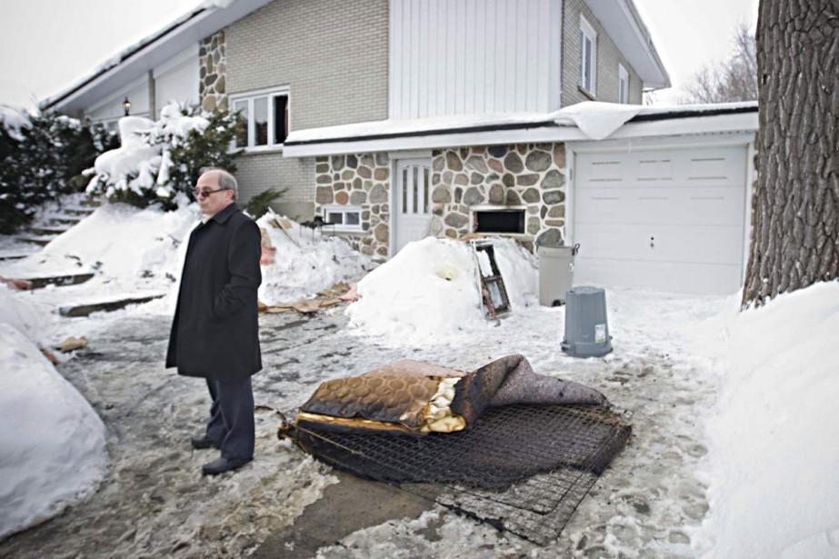 Stupéfait, Gaétan Picard a constaté les dégâts à... (Photo: Ivanoh Demers, La Presse)