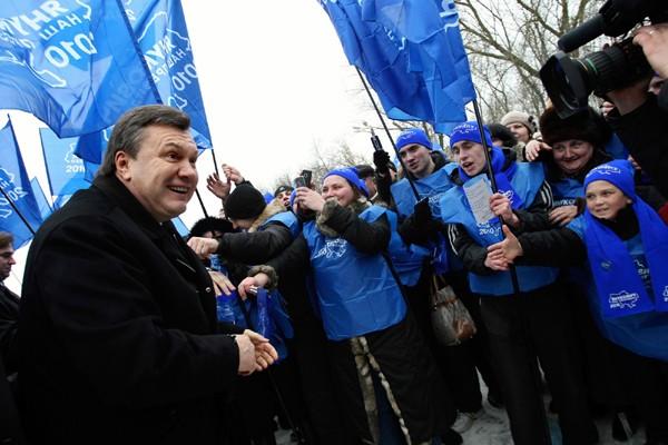Le favori des sondages, Viktor Ianoukovitch, en janvier... (Photo AP)