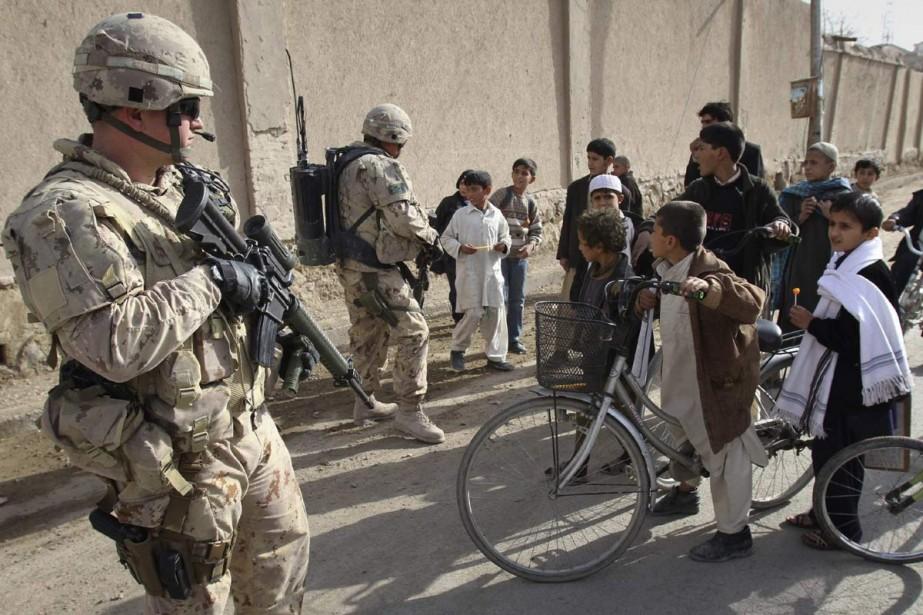 Des soldats canadiens à Kandahar, en Afghanistan.... (Photo: Archives AP)
