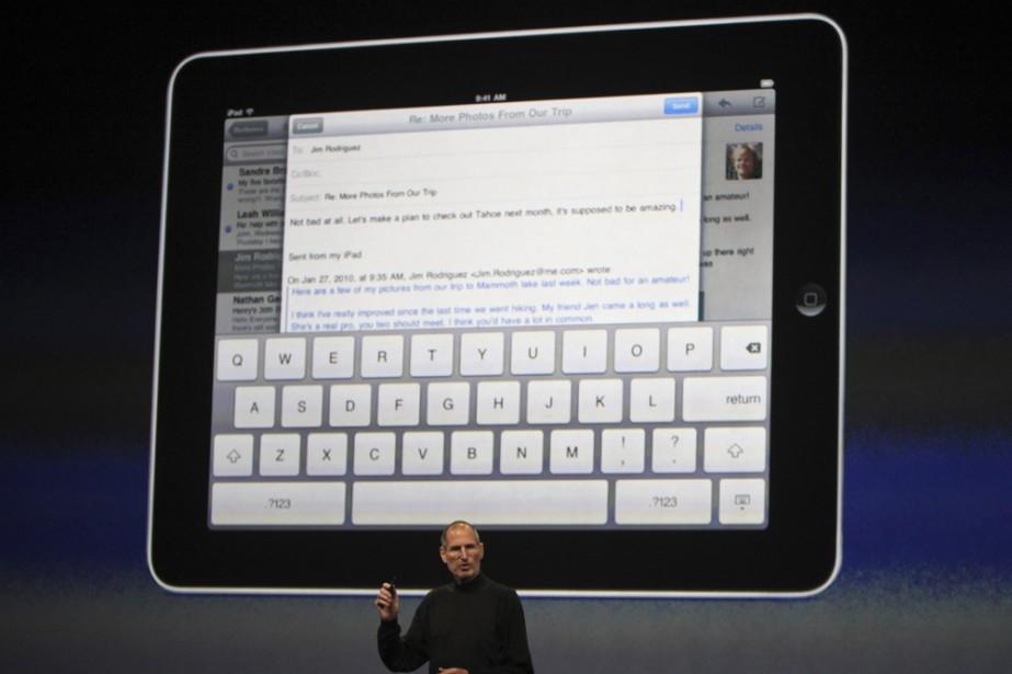 Steve Jobs présente le iPad...