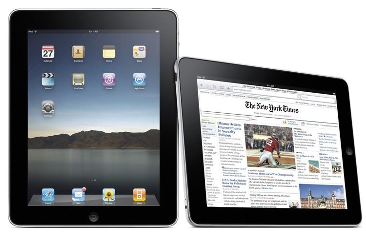 Le iPad, qui ressemble à un iPhone géant,... (Photo: Reuters)