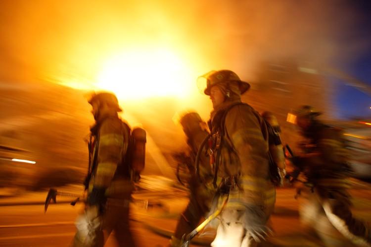 Un incendie majeur a provoqué hier soir... (Photo: archives La Presse)