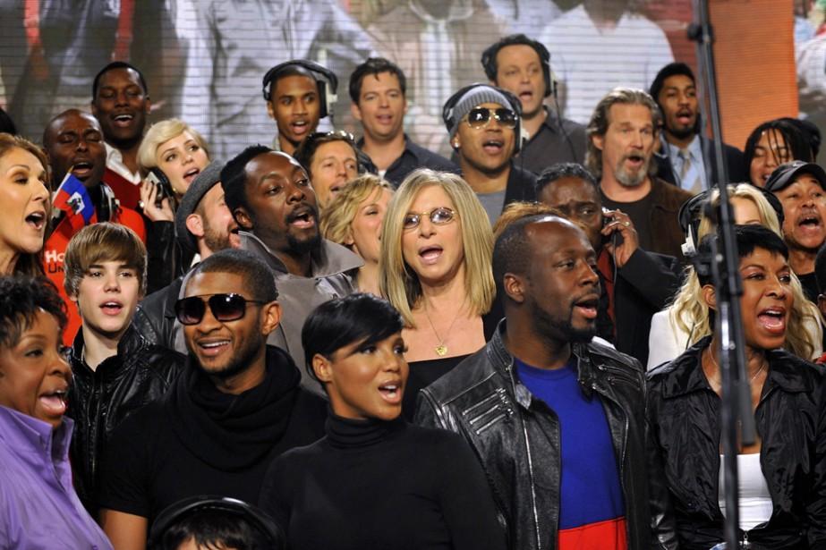 Quelque 70 chanteurs ont enregistré une nouvelle version... (Photo: Reuters)
