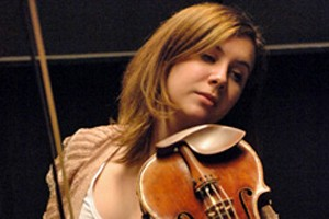 La violoniste Chloë Hanslip...