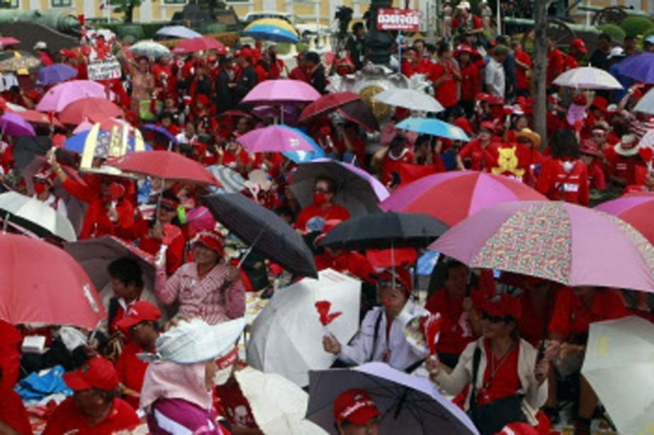 Des partisans de Thaksin Shinawatra se sont réunis... (Photo: AP)