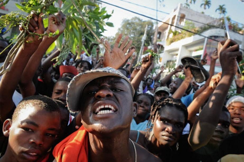 Plusieurs centaines de manifestants ont défilé mercredi dans... (Photo: AFP)