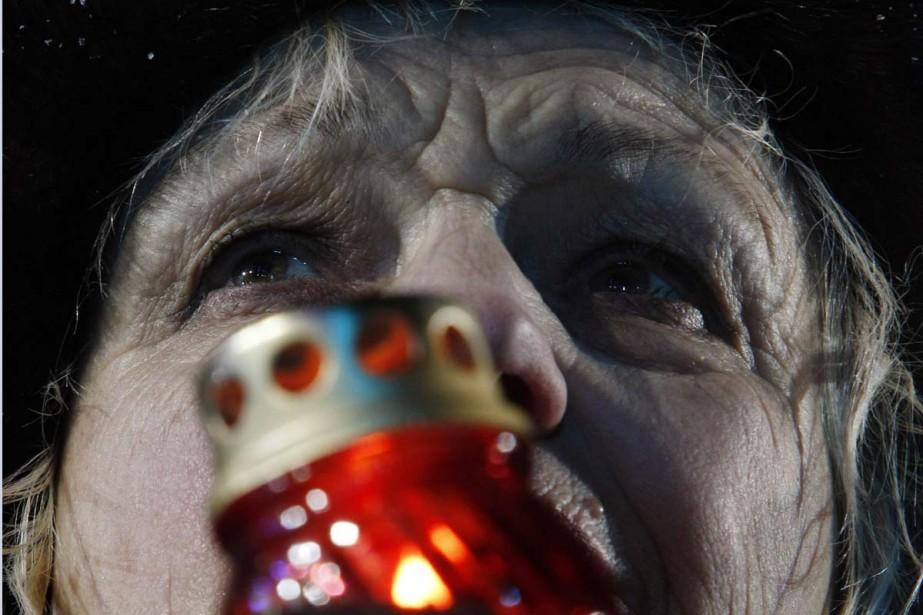 L'attente est longue pour les supporteurs des candidats... (Photo Reuters)
