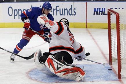 Henrik Lundqvist a réalisé 41 arrêts et les Rangers de New York... (Photo: AP)
