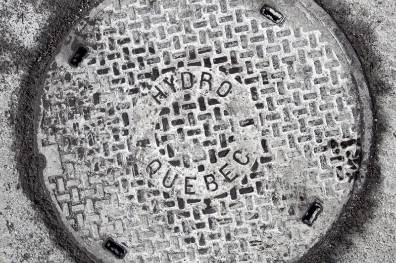 Le prix des couvercles de chambres souterraines (trous... (Photo Alain Roberge, La Presse)