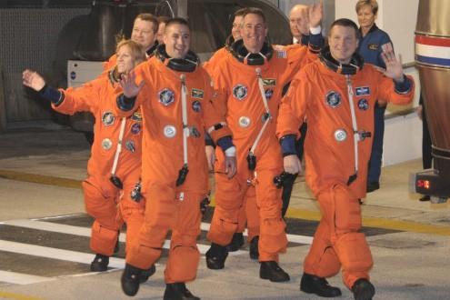 Les astronautes de la navette Endeavour... (Photo: AP)