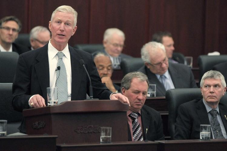 Le ministre des Finances de l'Alberta, Ted Morton... (Photo: Reuters)
