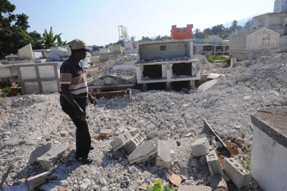 Les cimetières de Port-au-Prince ont été fortement touchés... (Photo: AFP)