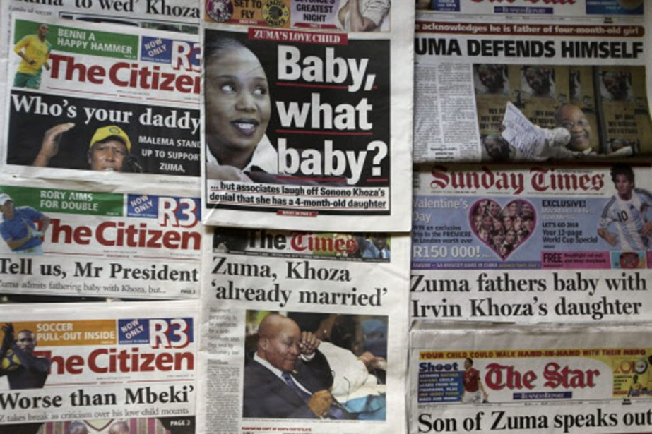 Chaque jour, les journaux d'Afrique du Sud reviennent... (Photo: AP)