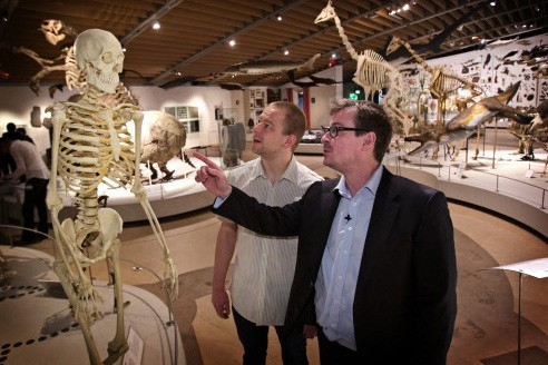Le professeur Eske Willerslev et Morten Rasmussen, du... (Photo: AFP)