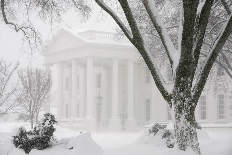 La Maison-Blanche est recouverte de neige. L'accumulation de... (Photo: AFP)