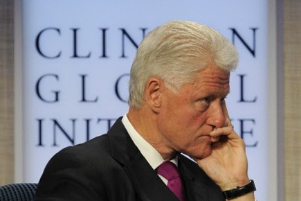 En 2004, Bill Clinton avait subi avec succès... (Photo: AFP)