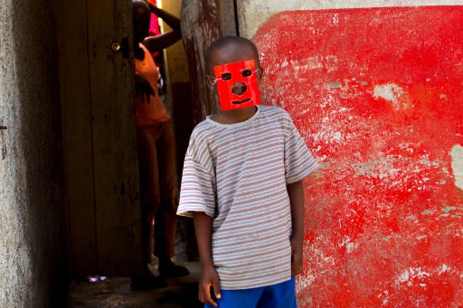 Des enfants s'amusent dans une rue de Port-au-Prince.... (Photo: Martin Chamberland, La Presse)