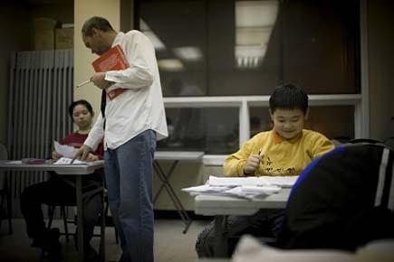 Les enseignants membres de la CSQ manifestent à... (Photo: David Boily, La Presse)