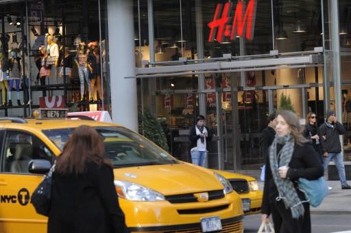 Des boutiques comme H&M ont été montrées du... (Photo: AFP)
