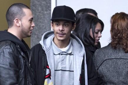 Danny Vilanueva (centre), frère de Fredy Villanueva qui... (Photo: Alain Roberge, La Presse)