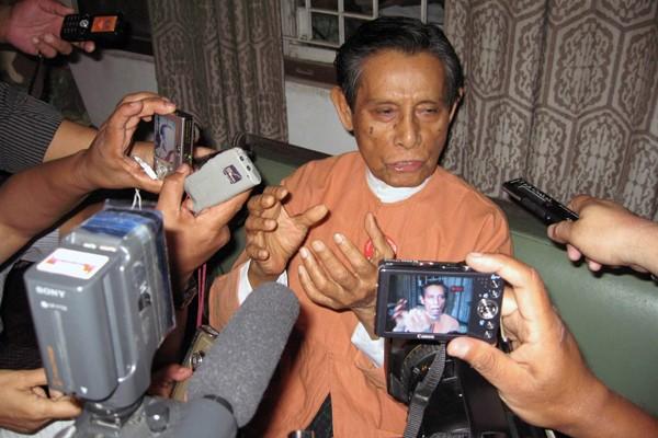 Tin Oo, fraîchement libéré.... (Photo AFP)