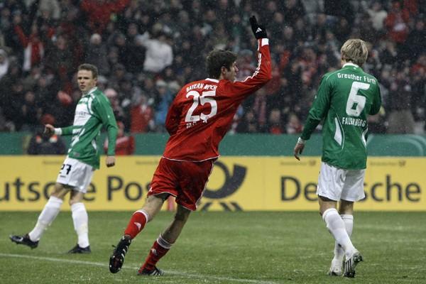 Le Bayern Leverkusen est resté en tête du championnat... (Photo Reuters)