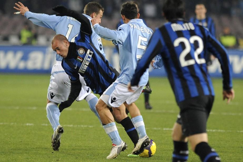 Au classement, l'Inter voit son avance passer de... (Photo: AFP)