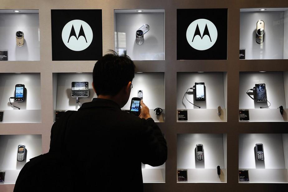 Un présentoir Motorola au Congrès mondial de la... (Photo: AP)