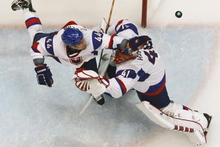 Six différents joueurs ont marqué, Jaroslav Halak a réalisé... (Photo: Reuters)