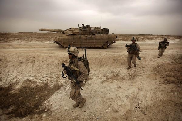 Des Marines américains près de Marjah, où 15... (Photo AFP)