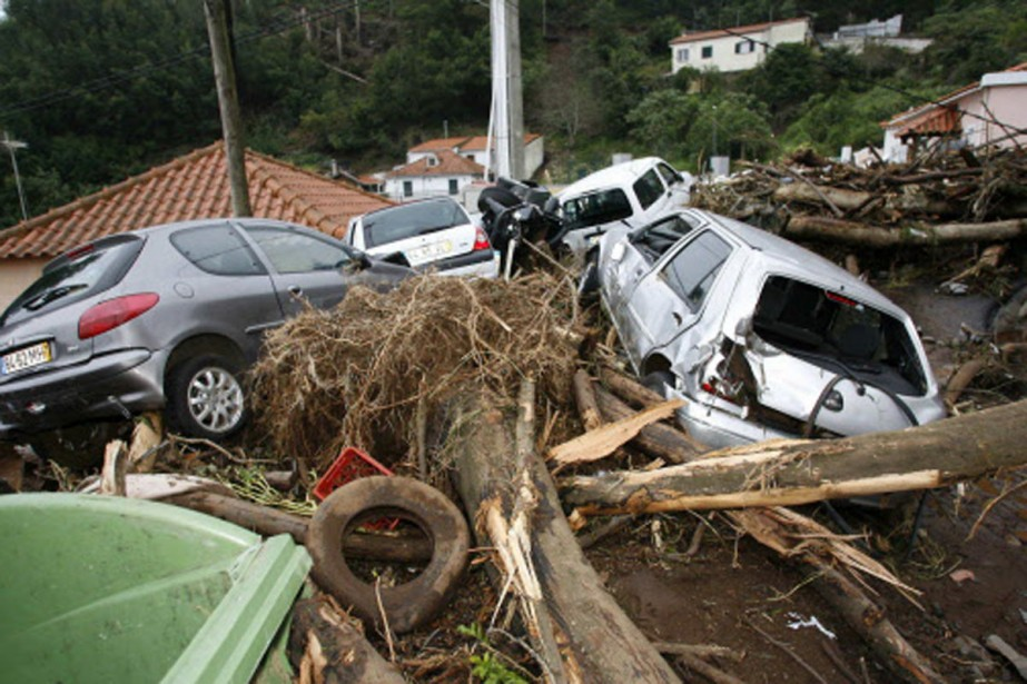 Les pluies diluviennes ont déplacé sur plusieurs mètres... (Photo: Reuters)