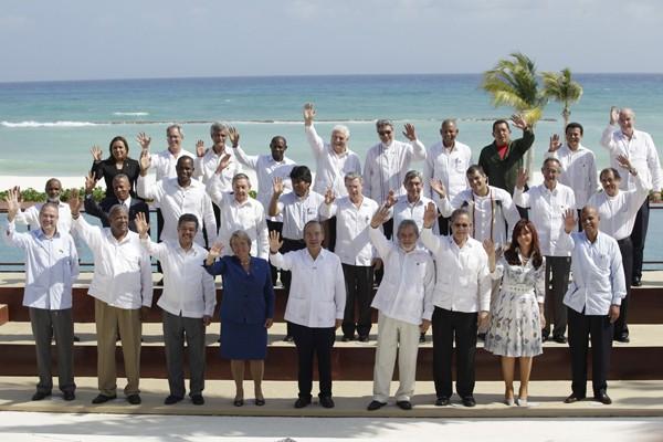 Photo de famille des présidents et premiers ministres... (Photo Reuters)