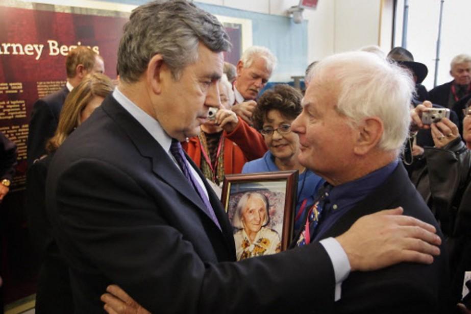 Le premier ministre britannique Gordon Brown est allé... (Photo: Reuters)