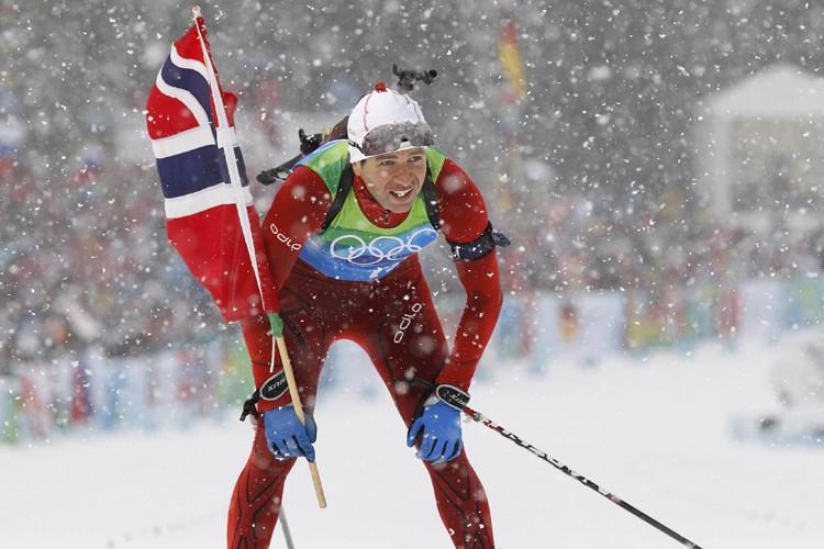 Ole Einar Bjoerndalen a remporté la 11e médaille... (Photo: Reuters)