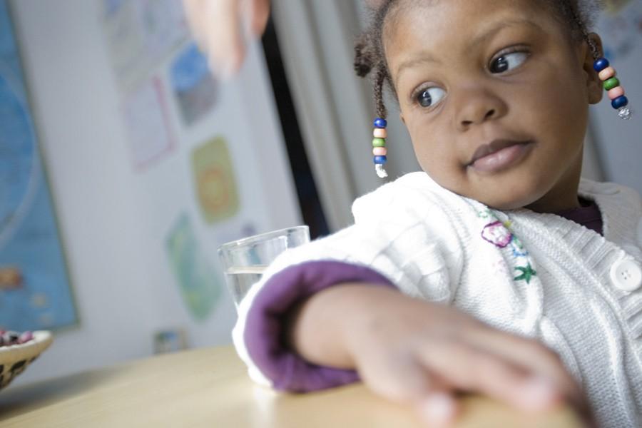 Esther, quatre ans, a été adoptée par une... (Photo: Ivanoh Demers, La Presse)