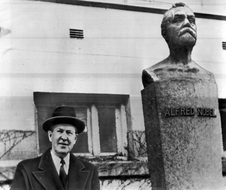 Lester B. Pearson, en 1957, gagant du prix... (PHOTO: ARCHIVES LA PRESSE)