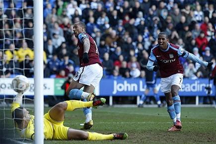 Aston Villa, mené 2 à 0 à la mi-temps sur le terrain de l'équipe... (Photo: AP)