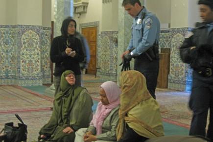 Une poignée de femmes musulmanes ont risqué l'arrestation... (Photo: Virginie MONTET, AFP)