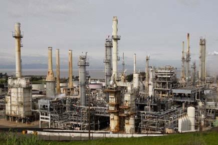 Les stocks de pétrole brut ont progressé la semaine... (Photo: Ben Margot, AP)