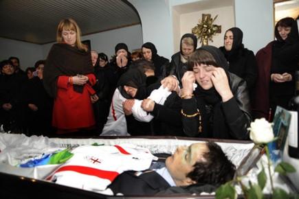 Les funérailles du lugeur géorgien Nodar Kumaritashvili, célébrées... (Photo: IRAKLI GEDENIDZE, AFP)