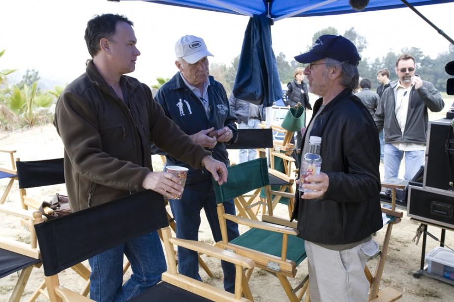 Tom Hanks, Steven Spielberg et le capitaine Dale... (Photo: AP)
