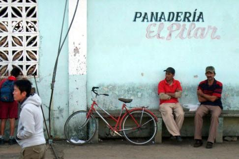 Scènes de rues de Vinales. Avec l'embargo américain... (Photo: Violaine Ballivy)