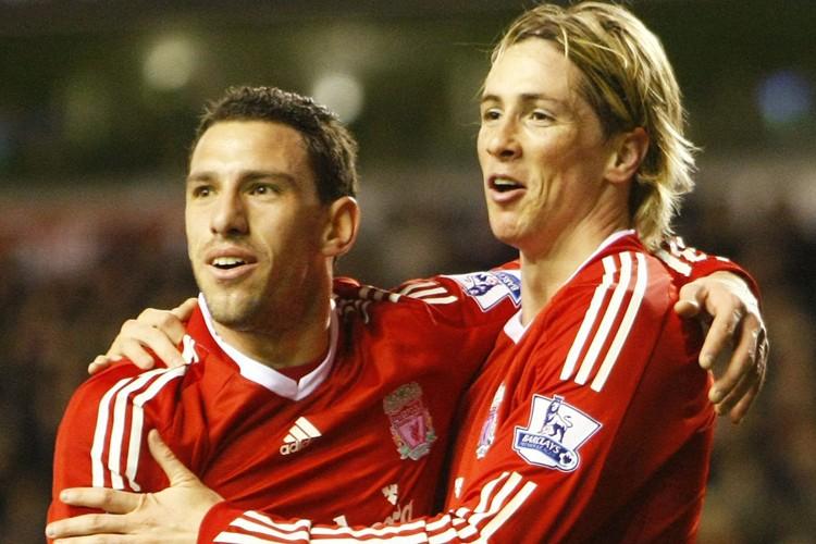 Fernando Torres (à droite) a marqué deux buts... (Photo: AP)