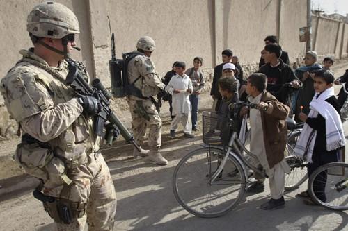 Des soldats canadiens en Afghanistan.... (Photo: AP)