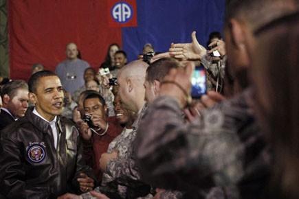 Le président Obama rencontre ses troupes à la... (Photo: Jim Young, Reuters)