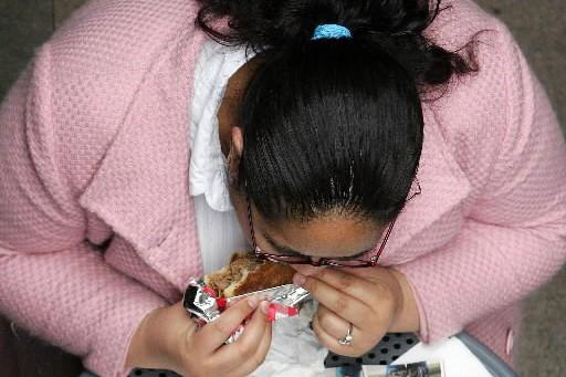 Ceux qui absorbent beaucoup plus de calories qu'ils n'en... (Photo: Reuters)
