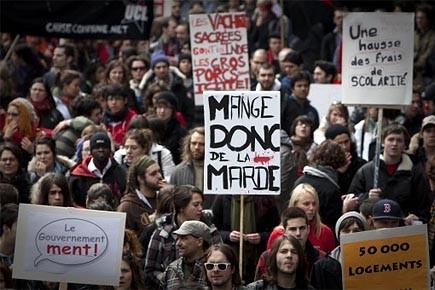 Des manifestants dénoncent à Montréal la privatisation des... (Photo: Ivanoh Demers, La Presse)